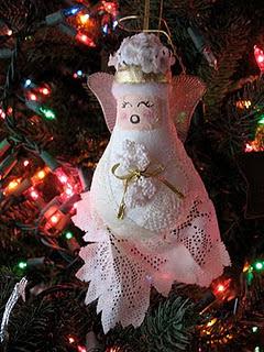 https://craftsbyamanda.com/light-bulb-angel-ornament/