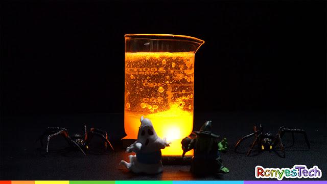 Spooky Halloween lava lamp