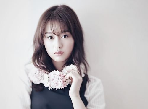 biodata kim ji won profil foto fakta menarik dan agamanya