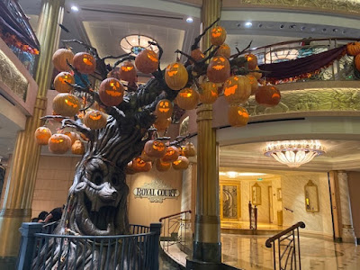 Disney Fantasy Halloween pumpkin tree
