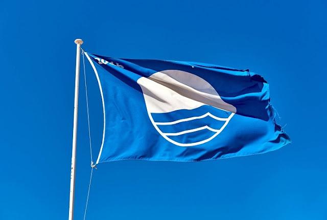 Αφαιρέθηκαν 15 «Γαλάζιες Σημαίες» από ακτές της Ελλάδας - Οι δύο από παραλίες του Δήμου Ναυπλιέων