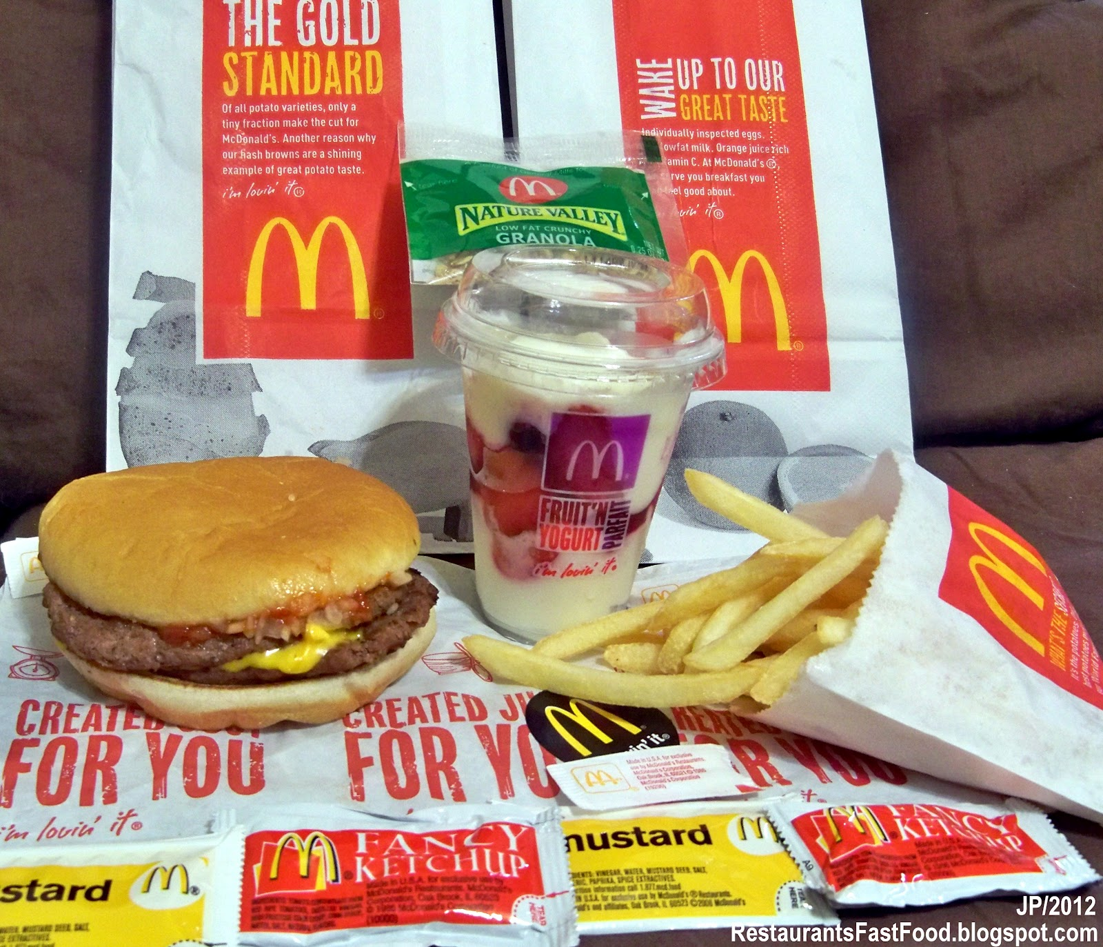 Mcdonalds serving fast food essay Essay Example