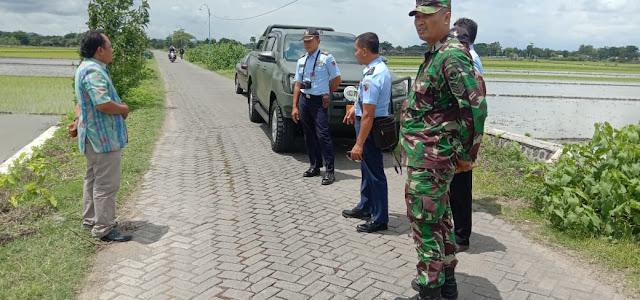 Danramil Cawas Terima Team TNI AU Survei Lokasi Karya Bakti