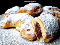 https://natomamochote.blogspot.com/2020/01/kruche-rogaliki-drozdzowe-z-nutella.html
