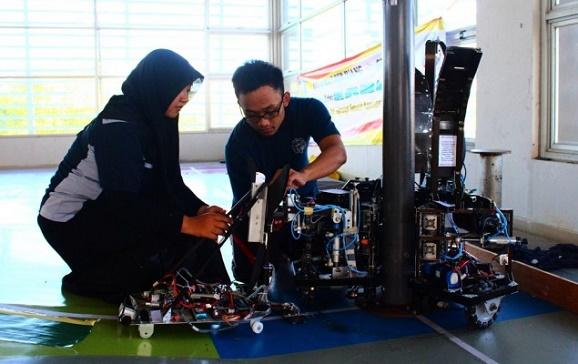 Tim Robotika ITS Siap Rebut Juara Robot Kelas Bergengsi KRI tingkat Nasional