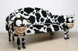 diseño de sillon con forma de vaca
