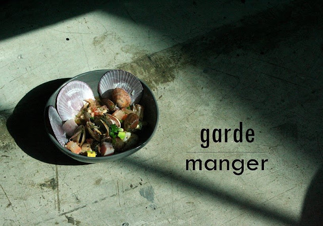 garde manger hole in the wall