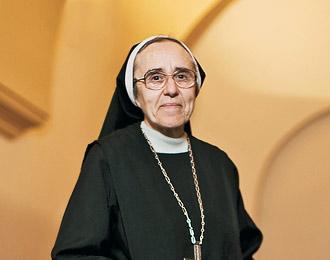 La noticia: una monja de clausura da a luz a un bebé