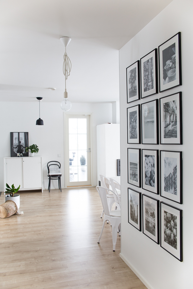 Villa H, olohuone, sisustus, valokuvakollaasi, taulukollaasi, mustavalkoiset kuvat, matkailu,