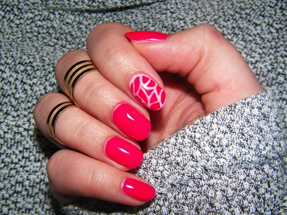 manicure w roli g wnej semilac 103 elegant raspberry enestelia blog o urodzie i stylu ycia. Black Bedroom Furniture Sets. Home Design Ideas
