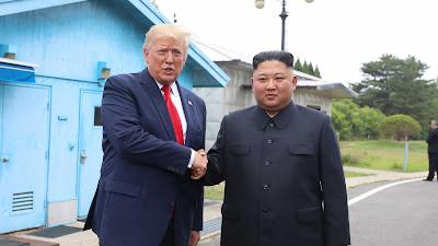 Politisi Demokrat AS: Pertemuan Trump-Kim Jong Un Hanya Foto-foto