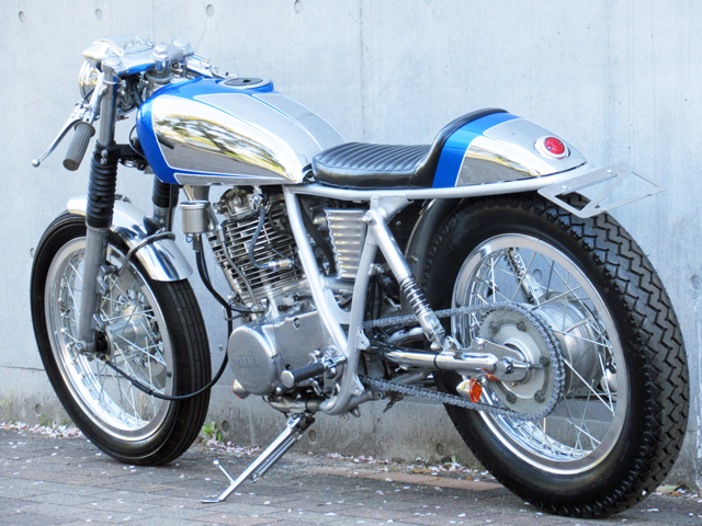 Yamaha SR400 By 2%er Custom Bike Shop Hell Kustom
