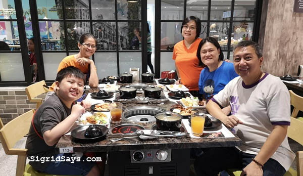 Tong Yang Bacolod - Tong Yang Plus Bacolod - Ayala Capitol Central - staff - servers - eat all you can buffet - Bacolod restaurants- dining tips - shabu shabu - yakiniku - marriage - foodie - eating buddy - lunch date - group meal