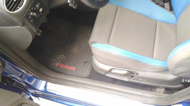 【生活分享】五股金讚汽車 Golden Top - 不愉快的烤漆經驗 (前傳) - 腳踏墊、椅子都這樣,真心覺得可以交車?