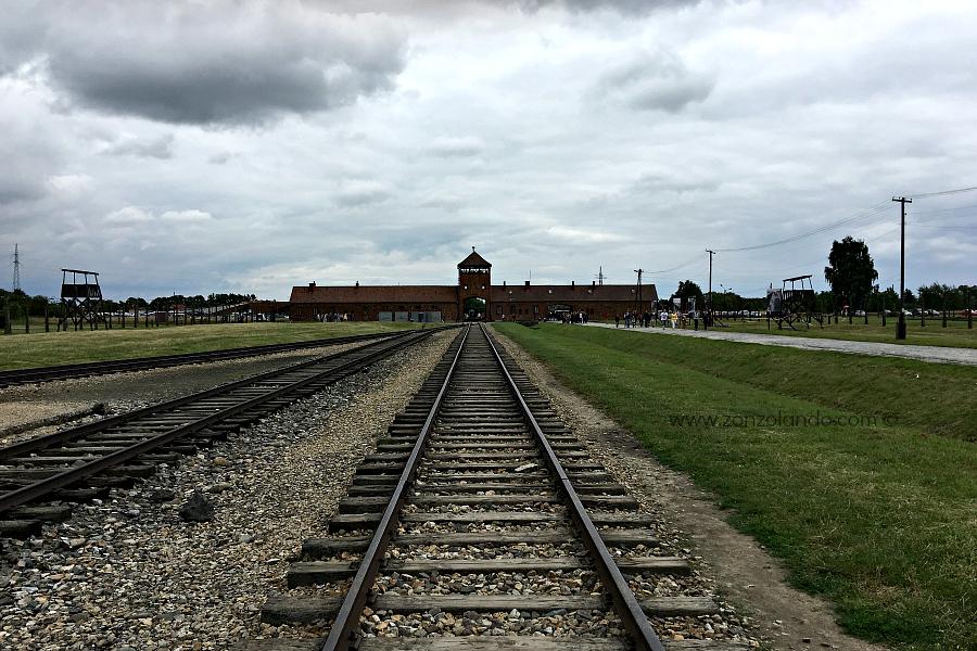 Auschwitz e Birkenau viaggio olocausto campi di sterminio e campi di concentramento storia foto - travel tales experience Poland