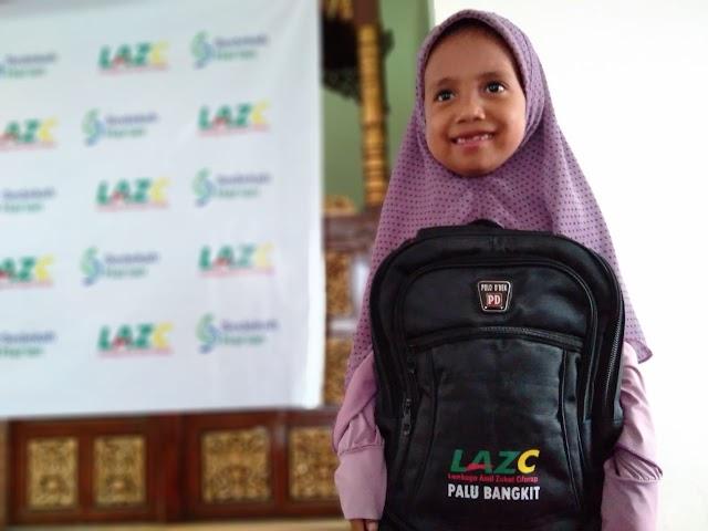 LAZ Cilacap dan Sedekah Harian Sebar 100 Paket Pendidikan di Lokasi Pasca Bencana Tsunami Palu
