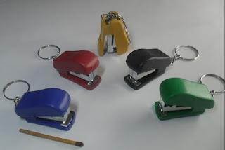 souvenir gantungan kunci flanel, souvenir gantungan kunci karet., souvenir gantungan kunci murah, souvenir gantungan kunci wayang,