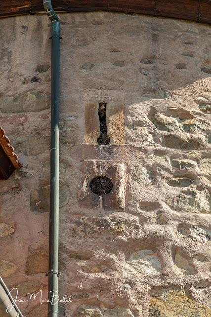Tour des sorcières — embrasures adaptées aux armes à feu