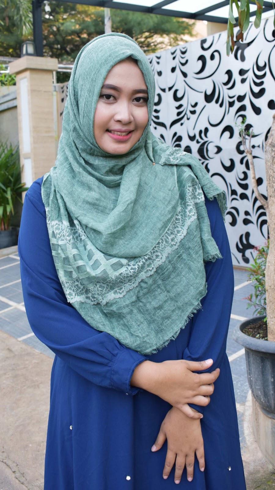 muka tembem dan seksi manis wallpaper HD muslimah cantik hijab