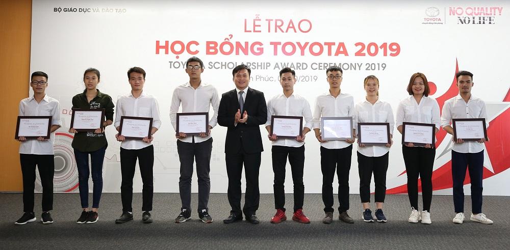 Toyota trao tặng 115 suất học bổng cho sinh viên Việt Nam