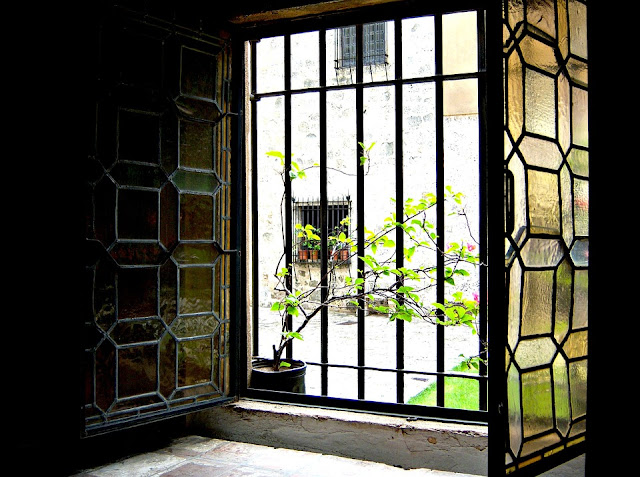 5 Facts About Stained Glass Windows