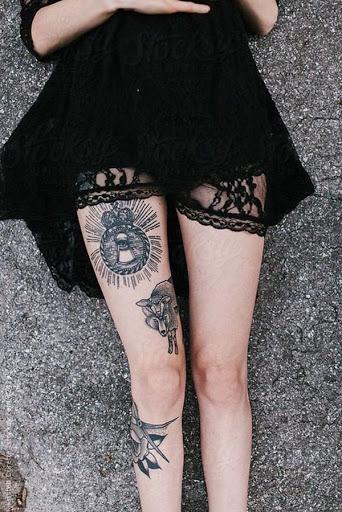 Ingenua, ataque-como tatuagens