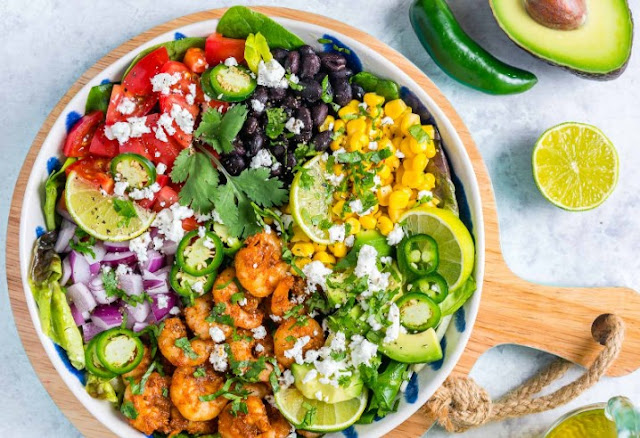 Shrimp Avocado Taco Salad #healthy #salad