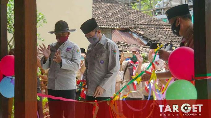 Resmikan Joglo Pandu Pragolo, Bupati Haryanto Apresiasi Kesigapan Pramuka Pati Distribusikan Bantuan