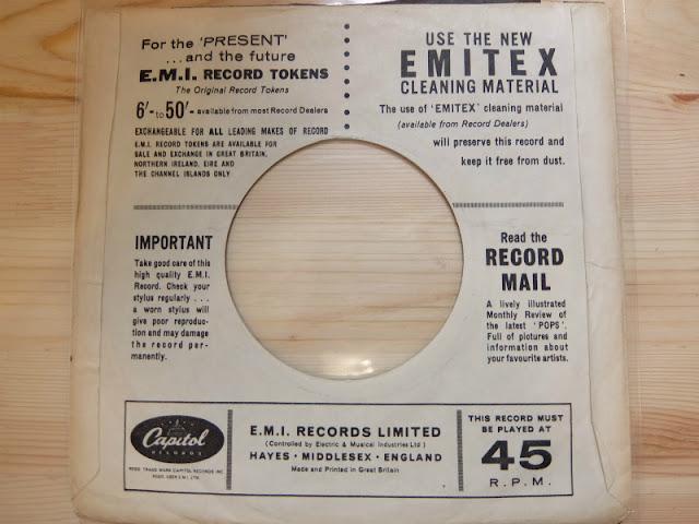 Capitol recordsの7インチレコードジャケット裏面の写真です。
