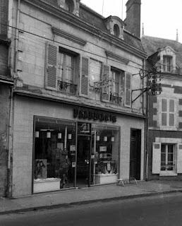 La pharmacie à Cour-Cheverny - Photo Michel Sauger