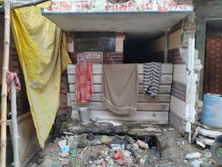 राजातालाब में नहीं है सामुदायिक शौचालय, जारी है खुले में शौच | #NayaSaveraNetwork