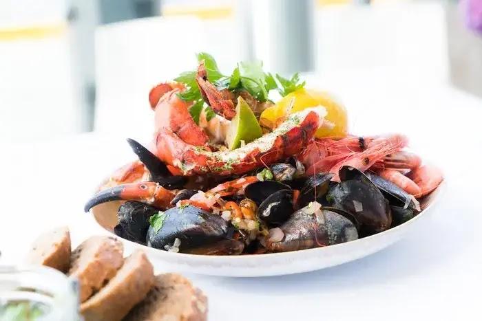 seafood menjadi makanan sumber zat besi untuk anak dan balita
