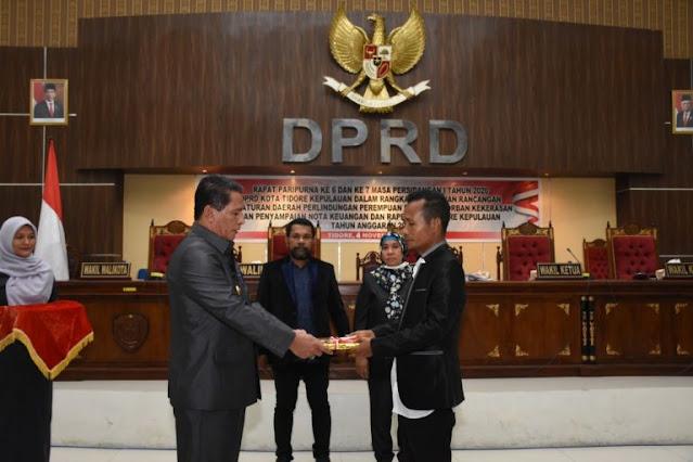 Ansar Daaly Sampaikan Nota Keuangan dan RAPBD Kota Tidore Kepulauan Tahun 2021.lelemuku.com.jpg