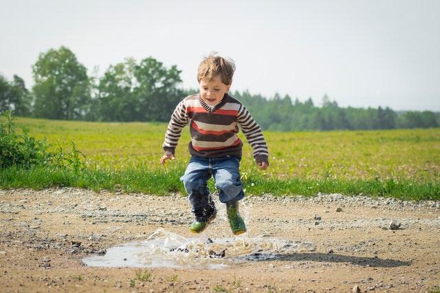 Teori Rekapitulasi Berkaitan dengan Kegiatan Bermain Anak