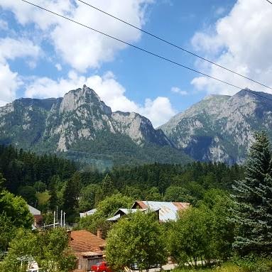 Maisemat junasta Romaniassa, Bukarestista Brasoviin. Parhaat maisemat Sinaian kohdalla!