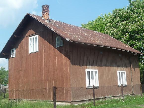Тисов. Старая деревянная школа
