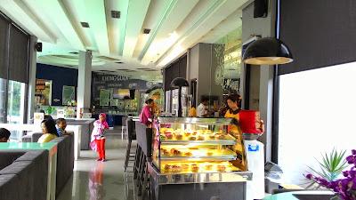 Nongkrong Pagi di Nissin Emporium Kafe Ungaran