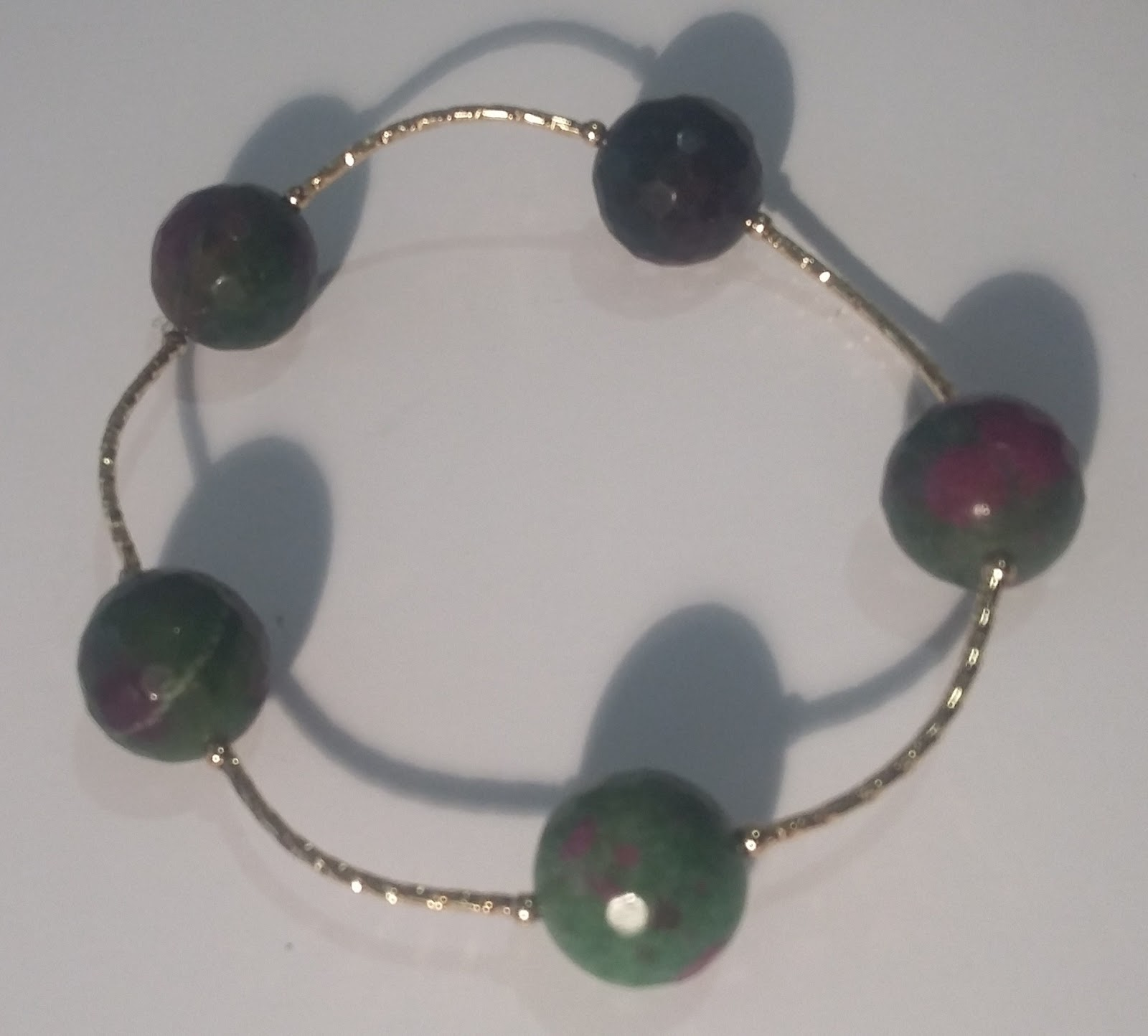 1084d6c869e5 Mis diseños joyería y bisutería  Pulsera en jade jaspeado y oro laminado