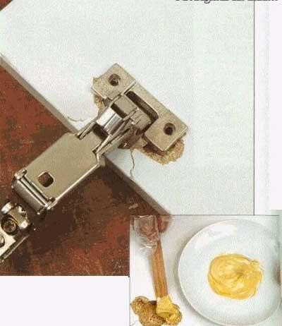 Вырванная петля и ремонт с помощью герметика
