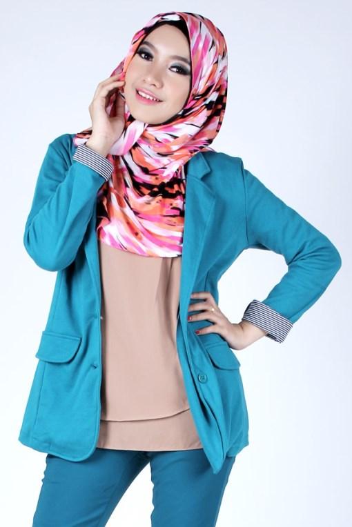 model IGO konsep foto hijab dalam ruangan dengan tips sederhana ligthing cantik