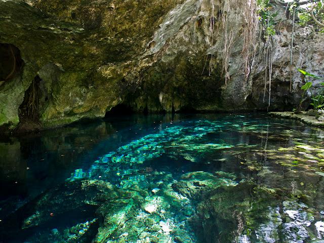 Cenote en Yucatán - México