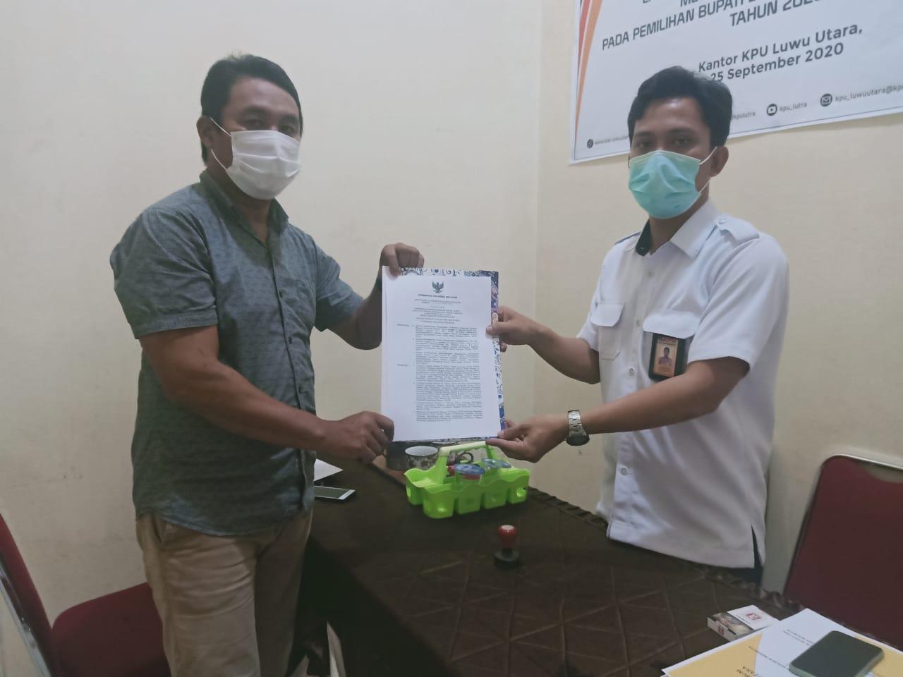 LO Pasangan MTR-RL Serahkan Surat PAW Rahmat Laguni Ke KPU Luwu Utara