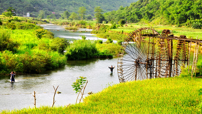 best time to visit Puluong Nature Reserve with grass rice field