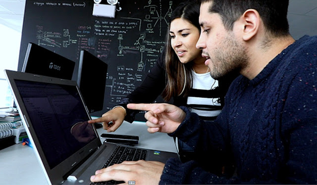 Produce y Fundación Romero ofrecen 100,000 becas para emprendedores