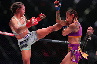 Cris Cyborg defeats Julia Dudd 2