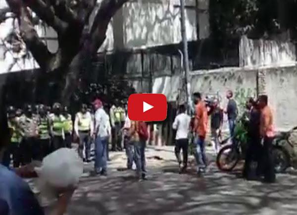 Fuerte enfrentamiento entre manifestantes y GNB en Caracas