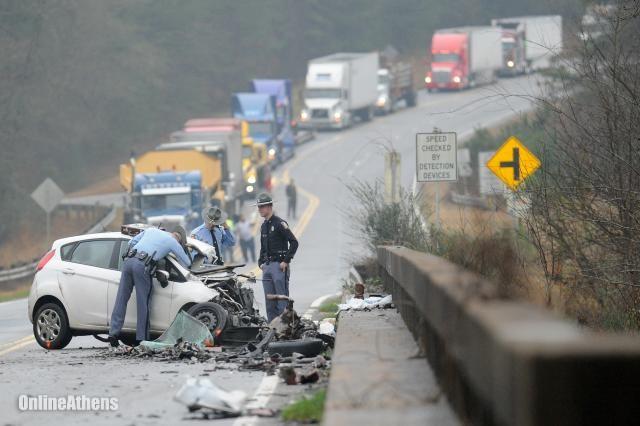 Wreck involving jackknifed tractor trailer closes Oconee