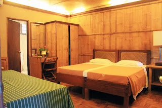 Shahani meets travel and fashion villa escudero Villa escudero room pictures