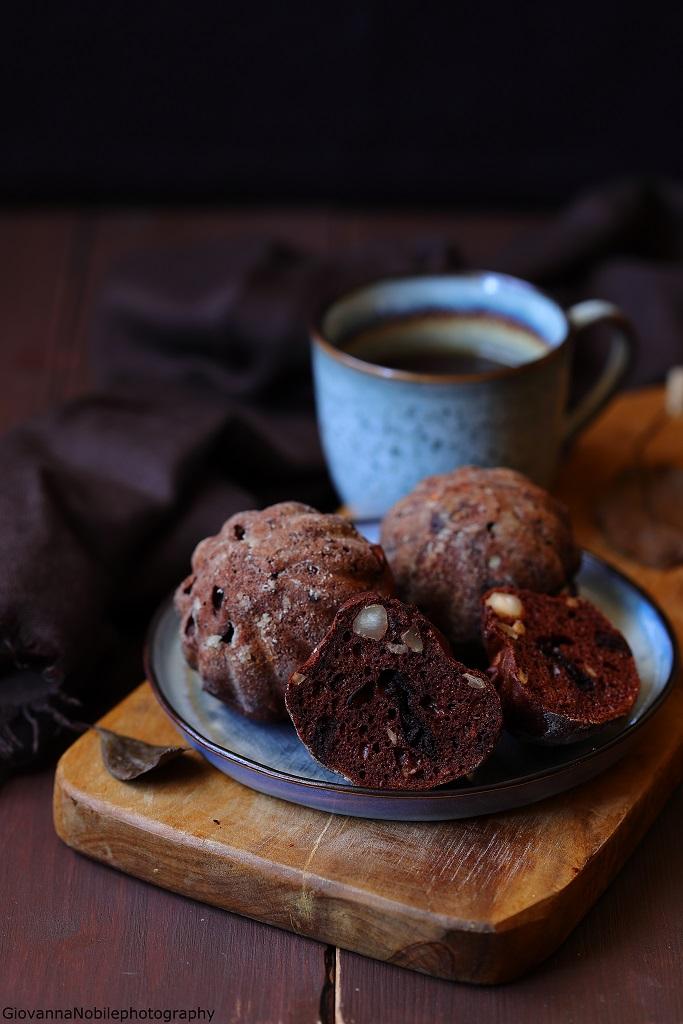 Muffin con cioccolato e uva passa