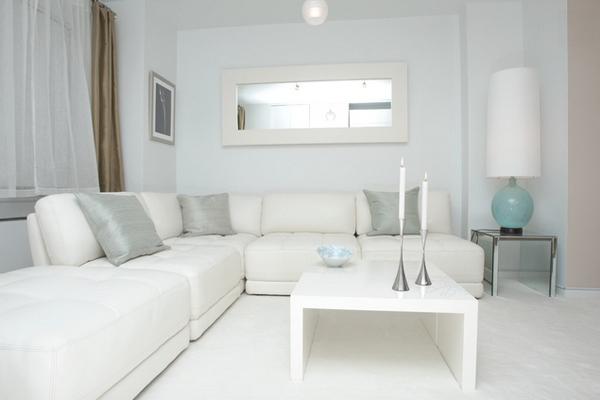 1 White Modern Desain
